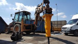 Mlot hydrauliczny Arrowhead R75 Cat428d 02