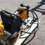 mlot-hydrauliczny-wbijania-pali-do-minikoparki-jcb